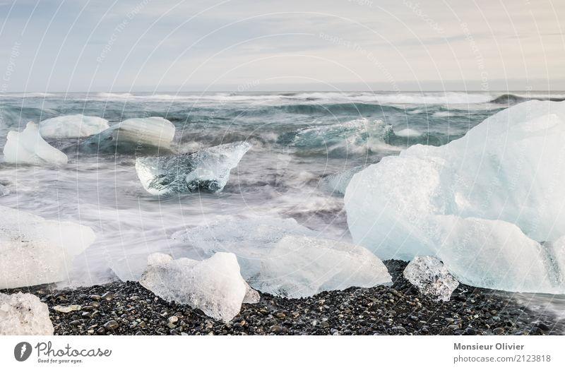 Diamond Beach, Jökulsárlón Glacier Lagoon, Iceland Natur blau Landschaft Strand Reisefotografie Umwelt Küste Wellen Eis Klima Frost Bucht Island Eisberg