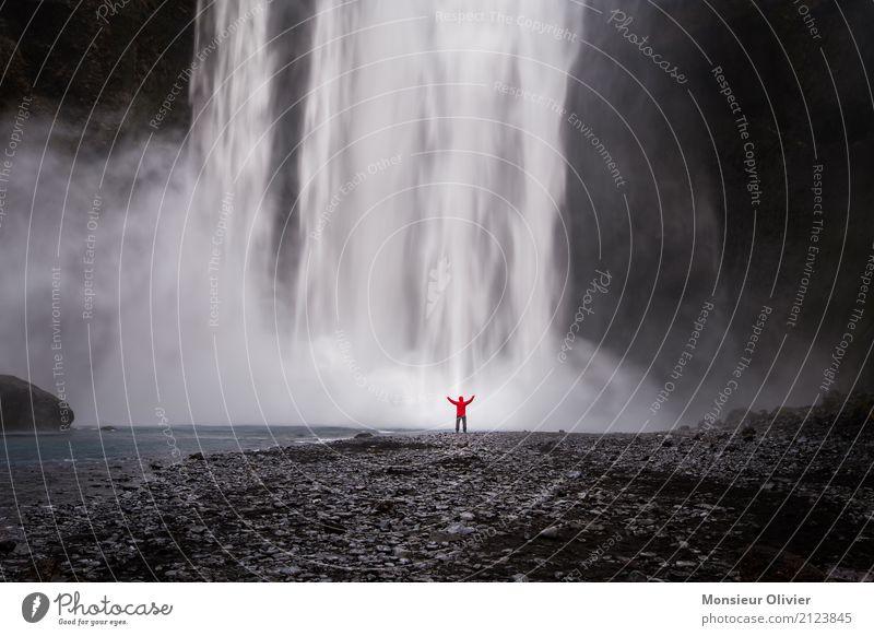 Wasserfall auf Island mit Mensch 1 Umwelt Natur Landschaft Ferien & Urlaub & Reisen Abenteuer Kraft Naturgewalt Energie Reisefotografie Außenaufnahme