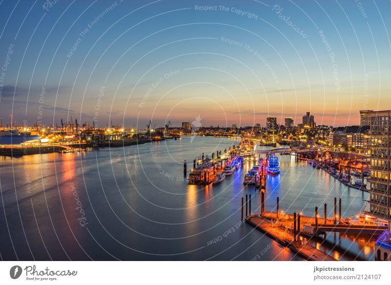 Hamburger Hafen / Landungsbrücken bei Sonnenuntergang Himmel Ferien & Urlaub & Reisen Sommer schön Wasser Ferne Architektur Tourismus Deutschland Horizont