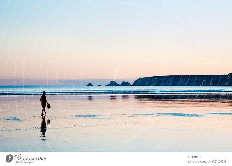 abends am Strand Mensch Himmel Natur Ferien & Urlaub & Reisen Meer Strand Einsamkeit Ferne Erholung Landschaft Leben Freiheit Küste Horizont gehen laufen