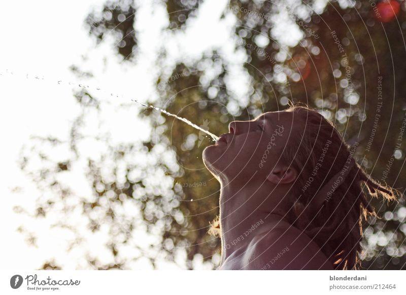 Peene-Quell Mensch Natur Jugendliche Sommer Wasser Junger Mann Freiheit Haare & Frisuren Kopf maskulin Luft blond Wassertropfen Flüssigkeit Rastalocken Unsinn