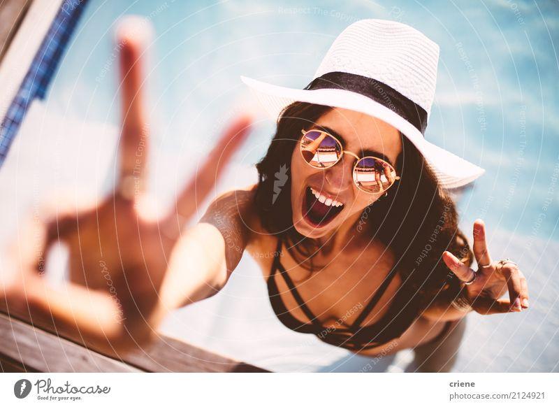 Mensch Frau Ferien & Urlaub & Reisen Jugendliche Junge Frau Sommer Freude Erwachsene Lifestyle feminin Glück Freiheit Stimmung Freizeit & Hobby Lächeln