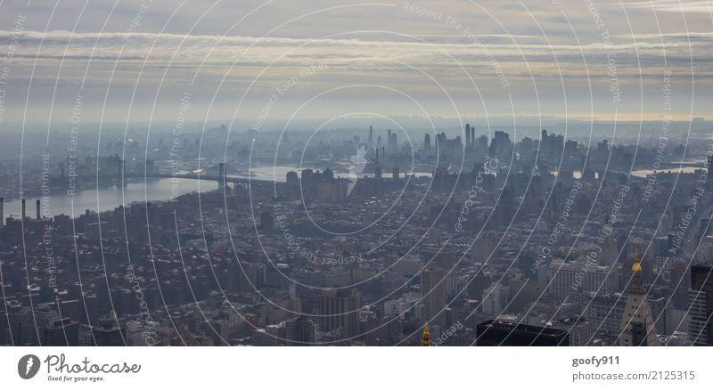 Schlechte Sicht Ferien & Urlaub & Reisen Tourismus Ausflug Ferne Freiheit Sightseeing Städtereise Wolken schlechtes Wetter Fluss New York City USA Stadt Skyline