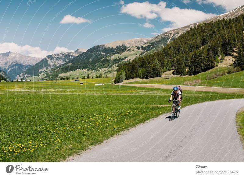 Transalp Ferien & Urlaub & Reisen Fahrradtour Fahrradfahren Junge Frau Jugendliche Natur Landschaft Sommer Schönes Wetter Wiese Alpen Berge u. Gebirge