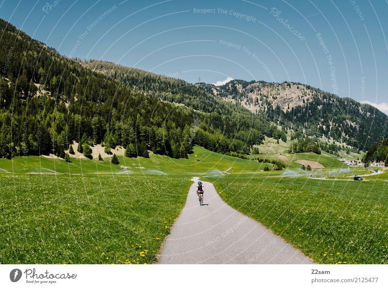 Gleich in Italia Natur Ferien & Urlaub & Reisen Jugendliche Sommer Landschaft ruhig Berge u. Gebirge 18-30 Jahre Erwachsene Umwelt Wiese Sport Freizeit & Hobby