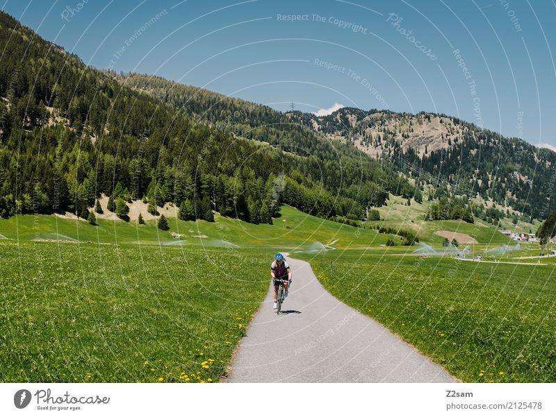 2 Etappe Freizeit & Hobby Ferien & Urlaub & Reisen Fahrradtour Sommerurlaub Fahrradfahren Junge Frau Jugendliche 18-30 Jahre Erwachsene Natur Landschaft