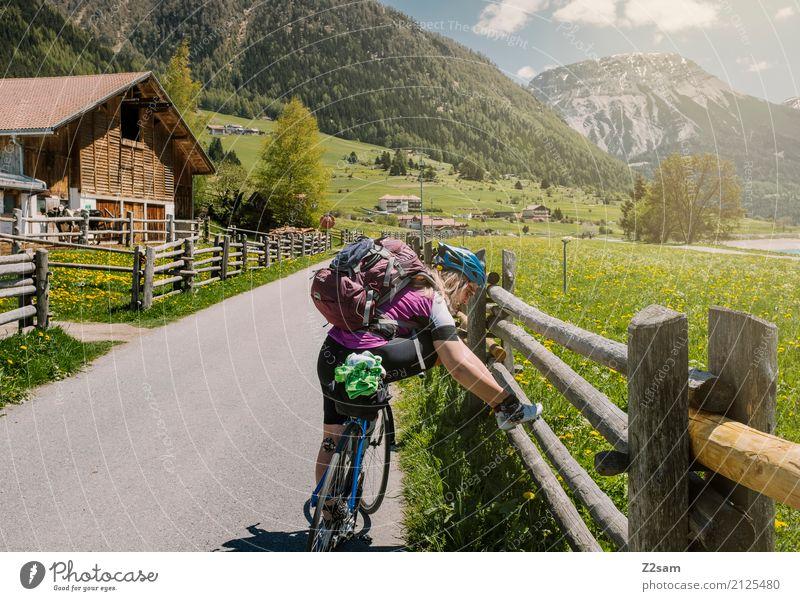 Pause!!!!!! Freizeit & Hobby Ferien & Urlaub & Reisen Abenteuer Fahrradtour Sommerurlaub Junge Frau Jugendliche 18-30 Jahre Erwachsene Natur Landschaft Himmel