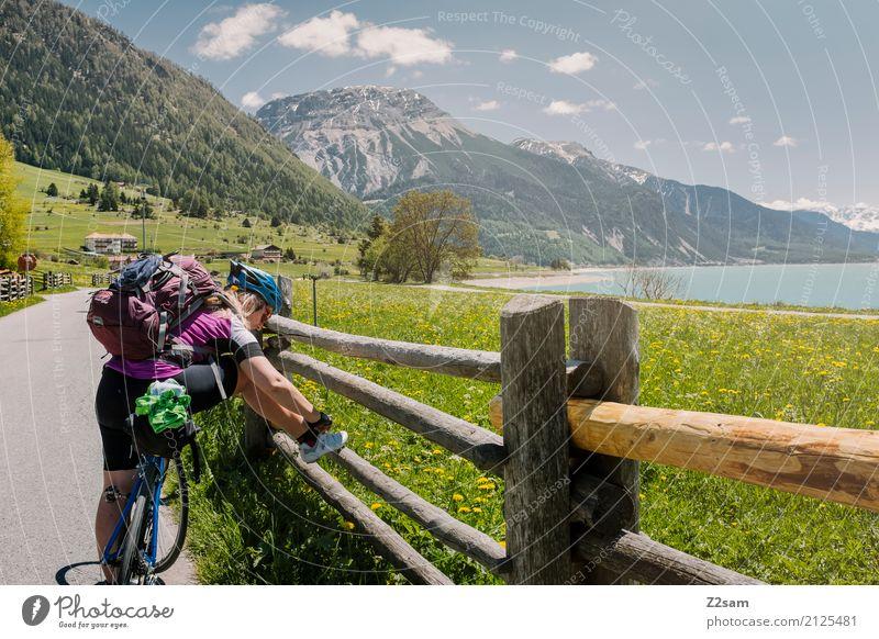 pause! Freizeit & Hobby Ferien & Urlaub & Reisen Fahrradtour Sommerurlaub Fahrradfahren Junge Frau Jugendliche 18-30 Jahre Erwachsene Natur Landschaft