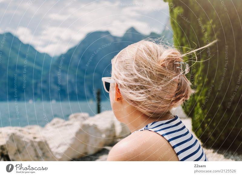 Gute Aussichten Himmel Natur Ferien & Urlaub & Reisen Jugendliche Junge Frau Sommer schön Landschaft Erholung 18-30 Jahre Erwachsene Lifestyle natürlich Glück