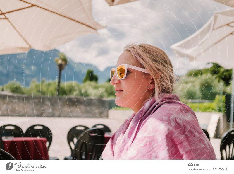 Endlich Urlaub Himmel Ferien & Urlaub & Reisen Jugendliche Junge Frau Sommer schön Erholung ruhig Strand 18-30 Jahre Erwachsene Lifestyle Glück Freiheit