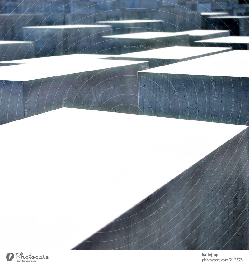 unschuldig weiß Berlin Wand grau Mauer Beton Ausflug Tourismus Denkmal Politik & Staat Rechteck Sehenswürdigkeit erinnern Städtereise Holocaustgedenkstätte