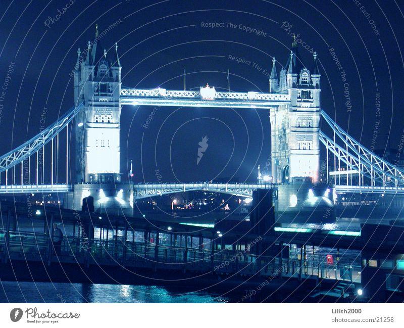 Tower Bridge London England Nacht Themse Europa Beleuchtung Fluss