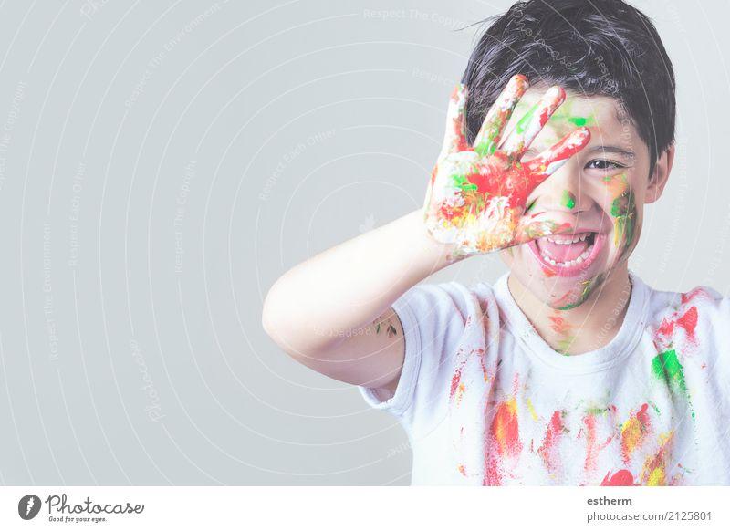glückliches Kind in Farbe bedeckt Lifestyle Spielen Kinderspiel Mensch Kleinkind Kindheit 1 3-8 Jahre Künstler Maler Gemälde Party Lächeln lachen zeichnen