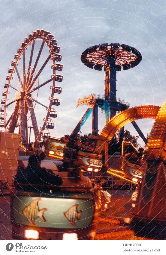 Rummelplatz Freizeit & Hobby Jahrmarkt Neonlicht Riesenrad Tintenfisch Octopus