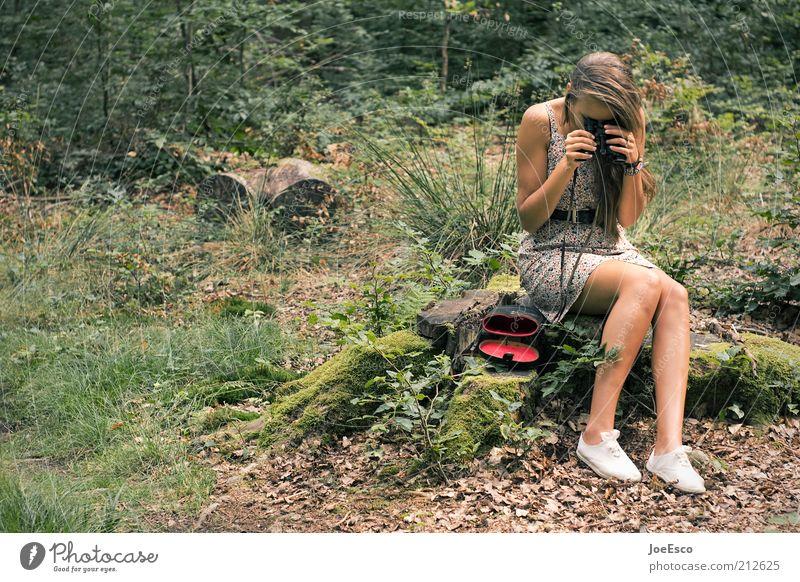 jugend forscht...you're doing it wrong! Ferien & Urlaub & Reisen Ausflug Junge Frau Jugendliche Erwachsene Leben 1 Mensch Pflanze Sträucher Wald Kleid Schuhe