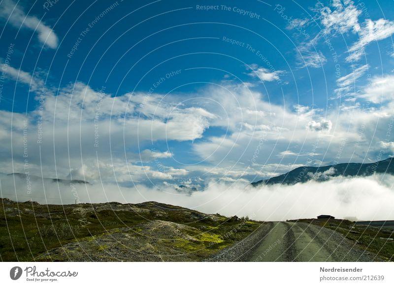 Eintauchen Natur blau Sommer Ferien & Urlaub & Reisen ruhig Wolken Einsamkeit Straße Berge u. Gebirge Freiheit Wege & Pfade Landschaft Stimmung Nebel Wetter Ausflug