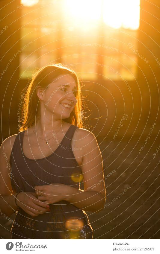 Junge Frau im Sonnenlicht Gesundheit Ferien & Urlaub & Reisen Abenteuer Ferne Sommer Sommerurlaub Mensch feminin Jugendliche Erwachsene Leben 1 Sonnenaufgang