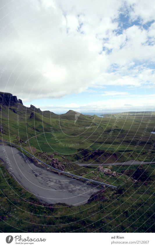 strassenstück Natur Himmel Wolken Ferne Landschaft Horizont Felsen trist Hügel Weide