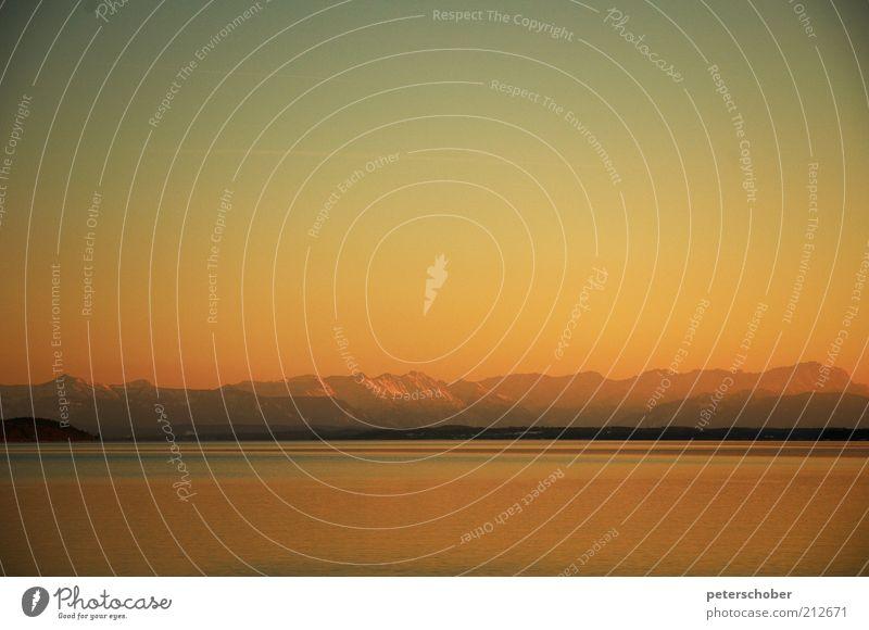 Starnberger See Wasser Wolkenloser Himmel Sonnenaufgang Sonnenuntergang Schönes Wetter Küste Seeufer Menschenleer Ferien & Urlaub & Reisen Wärme gold Stimmung