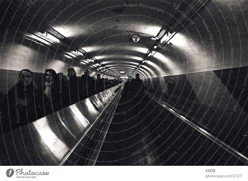 METRO Technik & Technologie Paris U-Bahn Fußgänger Elektrisches Gerät