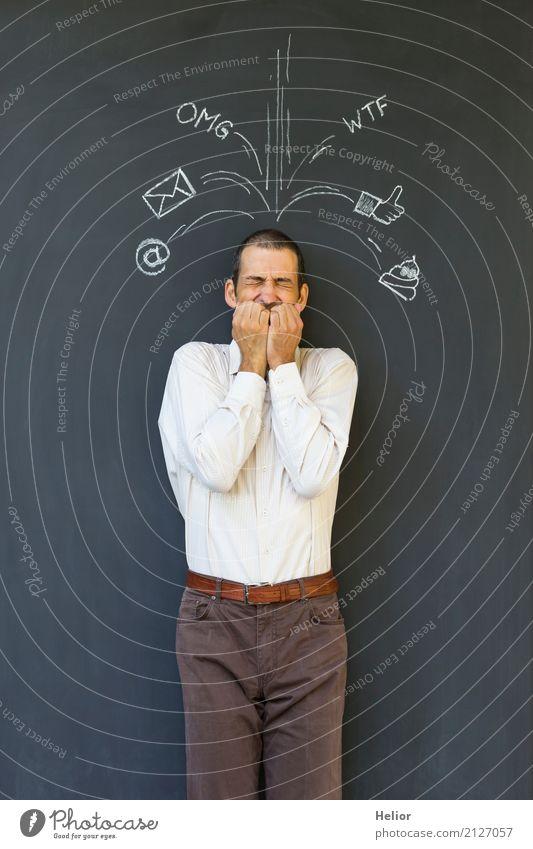 Überlastung und Stress durch Soziale Medien Mensch Mann weiß schwarz Erwachsene sprechen braun Angst stehen Zeichen Instant-Messaging Information