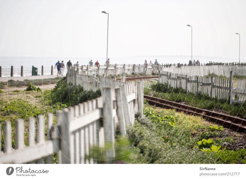 Mensch Ferien & Urlaub & Reisen Erholung Umwelt Leben Stimmung Park Freizeit & Hobby laufen authentisch Lifestyle Tourismus ästhetisch Eisenbahn Sommerurlaub Gleise