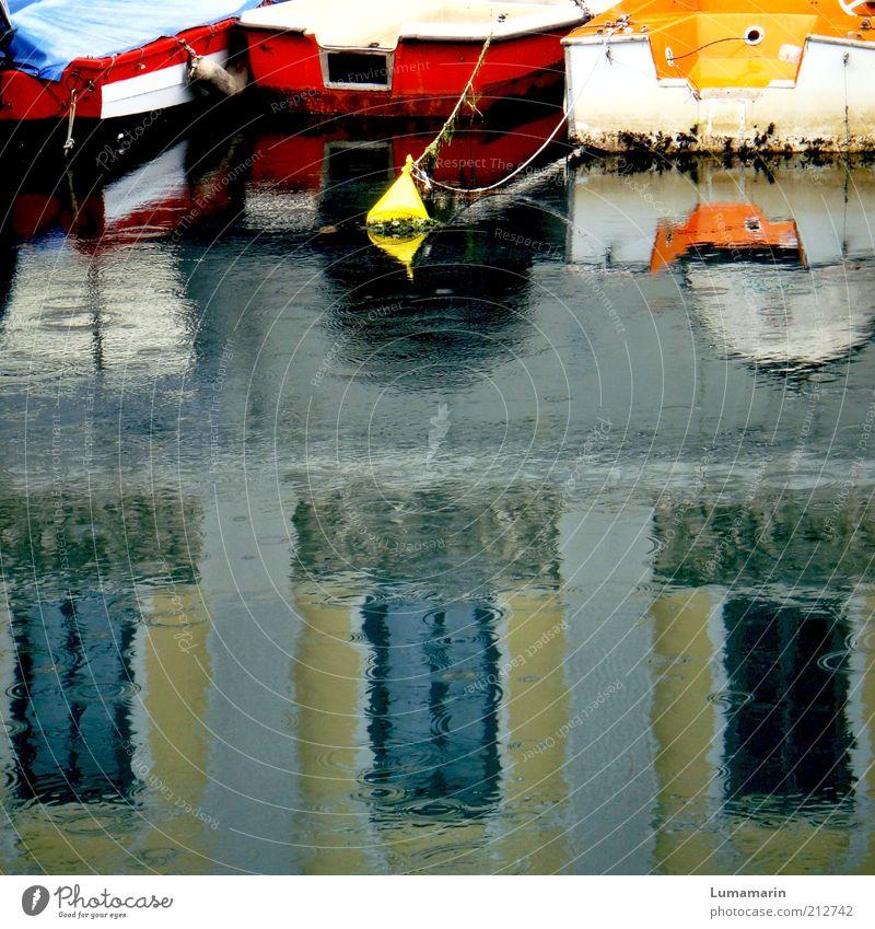 Regenbogen Wasser Stadt Ferien & Urlaub & Reisen ruhig Haus grau träumen Stimmung nass Wassertropfen frisch trist Hafen Sehnsucht Schifffahrt
