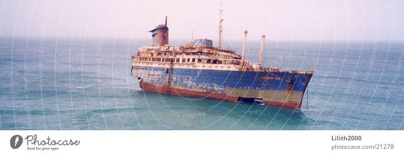 Schiffswrack Meer Wasserfahrzeug Küste Fuerteventura Luxusliner