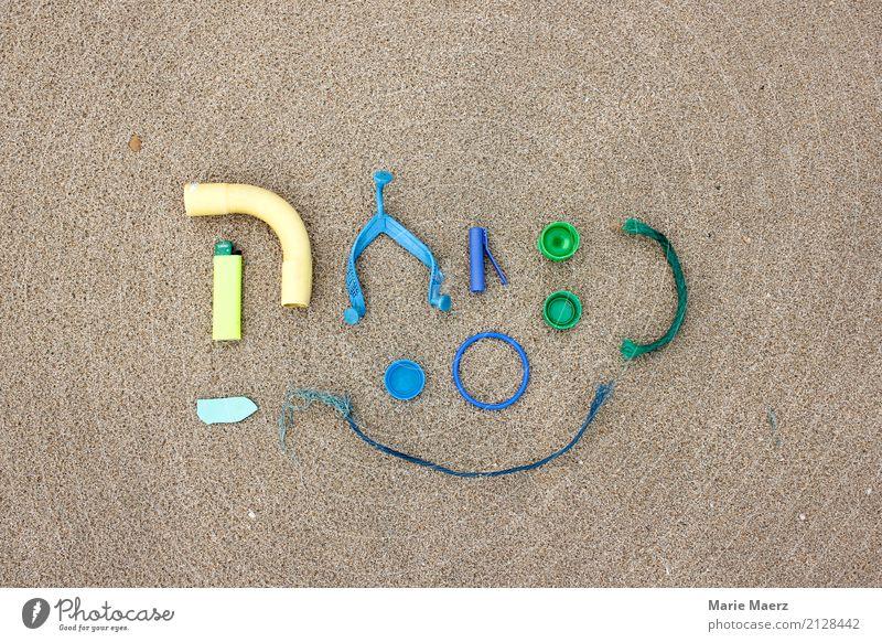 Fundstücke blau grün Strand Kunst Sand Idee entdecken Kunststoff Sammlung Müll frech Verpackung finden Umweltverschmutzung Kunststoffverpackung Laster