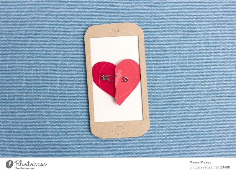 Herzschmerz Handy PDA Kommunizieren Liebe schreiben Traurigkeit blau rot Laster trösten Enttäuschung Liebesaffäre Trennung Ende machen Chatten SMS Liebeskummer