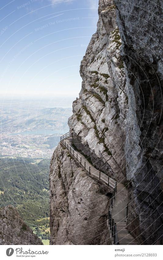 Pilatus Umwelt Natur Landschaft Sommer Schönes Wetter Felsen Alpen Berge u. Gebirge außergewöhnlich natürlich Schweiz wandern Wanderausflug Wandertag Aussicht