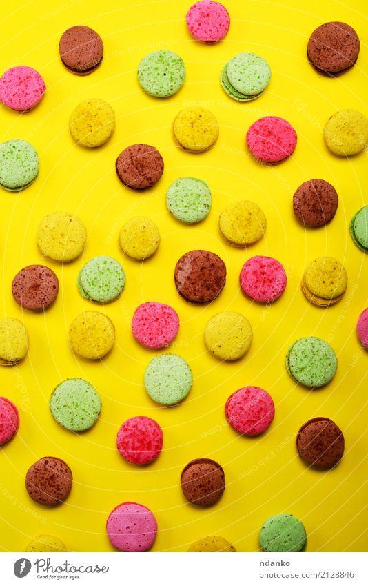 Farbige Mandel Kekse Macarons Dessert Süßwaren Gastronomie Essen hell lecker braun mehrfarbig gelb grün rosa Tradition farbenfroh Hintergrund süß Kuchen