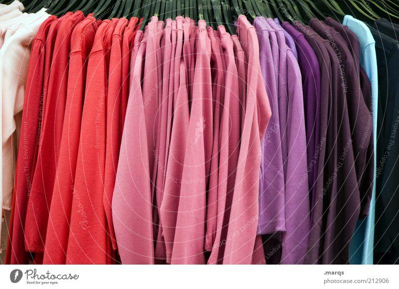 Sommerschlussverkauf Lifestyle Handel Mode Bekleidung T-Shirt Pullover Stoff Kleiderständer hängen trendy Sauberkeit mehrfarbig Farbe Farbverlauf Billig