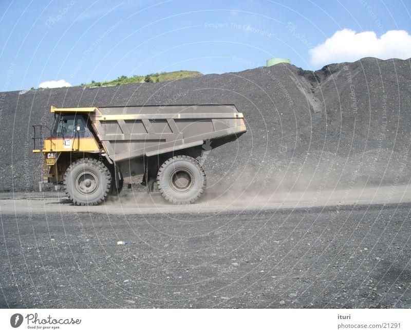 Geballte Power Kraft Verkehr Erde Energiewirtschaft Lastwagen Kipper