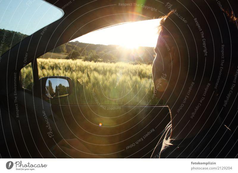 sonnenfahrt Natur Ferien & Urlaub & Reisen Jugendliche Sommer Junger Mann Autofenster Wege & Pfade Bewegung Kopf Stimmung Feld Aussicht Abenteuer Lebensfreude