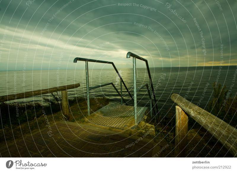 Klein Zicker Wasser Meer Sommer Ferien & Urlaub & Reisen Wolken dunkel Küste Horizont Treppe Klima Bucht aufwärts Leiter Ostsee Geländer abwärts