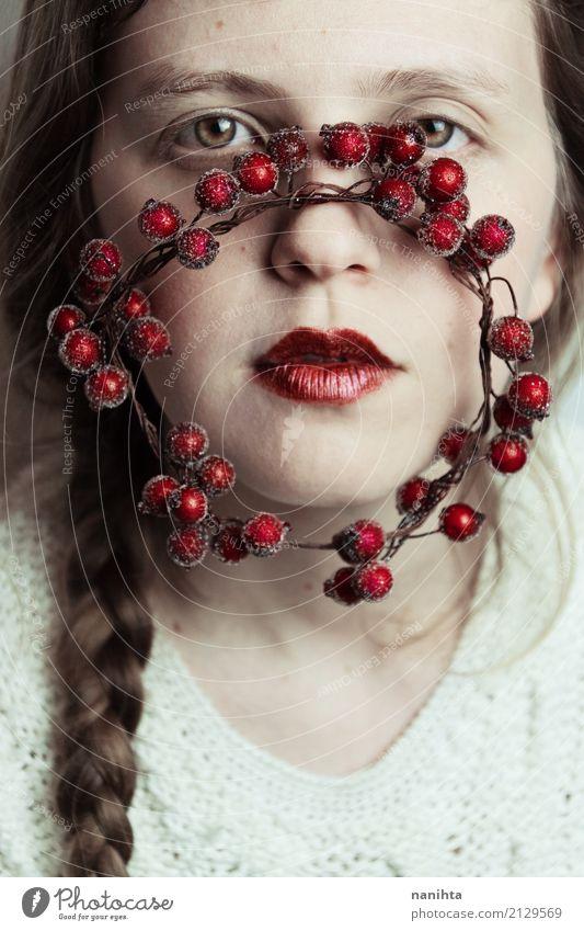 Künstlerisches Porträt mit Winterinspiration schön Haut Gesicht Lippenstift Weihnachten & Advent Mensch feminin Junge Frau Jugendliche 1 18-30 Jahre Erwachsene
