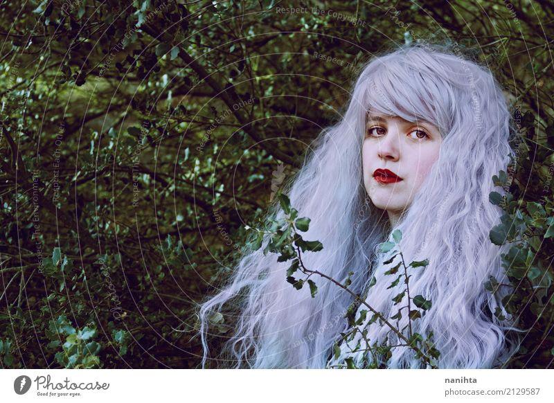 Märchenporträt im Wald Lifestyle elegant Stil exotisch schön Haare & Frisuren harmonisch Sinnesorgane Erholung Mensch feminin Junge Frau Jugendliche Erwachsene