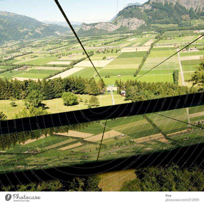 talwärts Umwelt Natur Landschaft Himmel Sommer Schönes Wetter Pflanze Baum Gras Wiese Feld Hügel Felsen Berge u. Gebirge hoch Schwindelgefühl Seil Seilbahn
