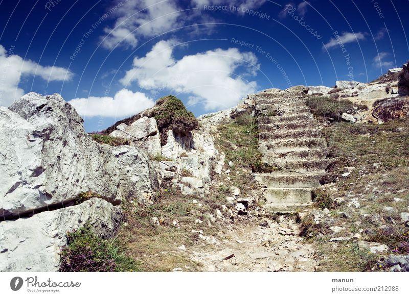 Stufenrest / Atlantikwall Natur Ferne Berge u. Gebirge Landschaft Umwelt Wege & Pfade Ausflug Felsen Treppe Tourismus authentisch Urelemente außergewöhnlich
