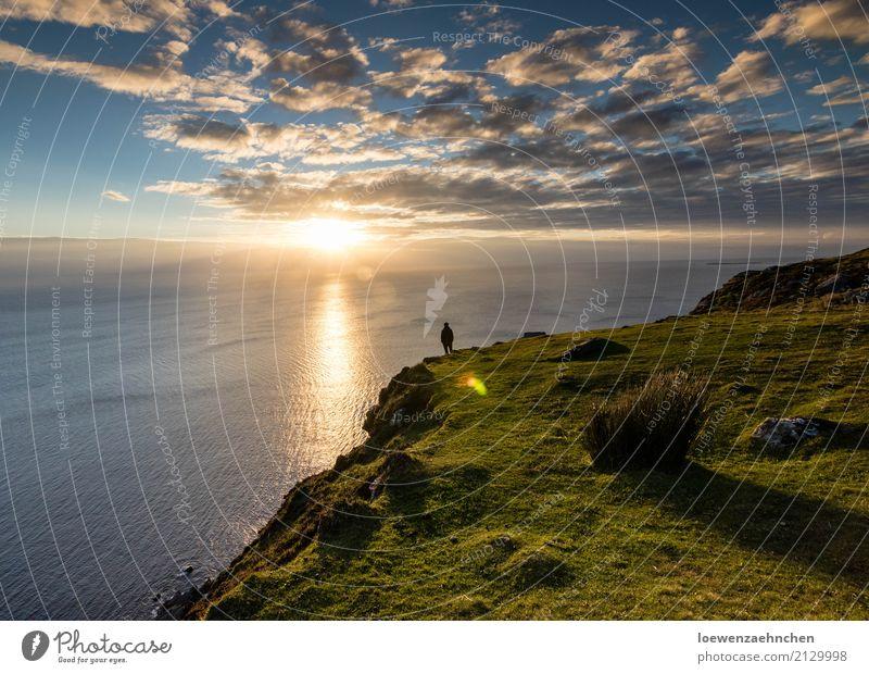 Einfach mal genießen Ferien & Urlaub & Reisen Ausflug Ferne Freiheit Sonne Meer maskulin Mann Erwachsene 1 Mensch Natur Landschaft Wasser Wolken Sonnenaufgang
