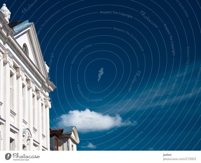 nur fassade. Reichtum Stil Haus Himmel Wolken Schönes Wetter Bauwerk Gebäude Architektur Fassade Fenster Giebelseite historisch blau weiß Villa Außenaufnahme