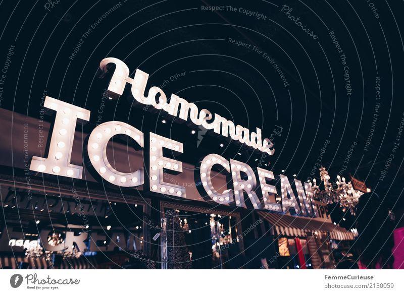 Roadtrip West Coast USA (323) Zeichen Schriftzeichen genießen Speiseeis Eis Dessert Zucker Kalorienreich Werbung Leuchtreklame Ladengeschäft Eisdiele