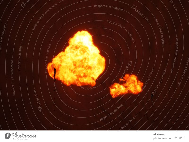 Feuerball schwarz gelb Wärme hell Brand Feuer heiß Urelemente Flamme Explosion Feuerball Brandgefahr