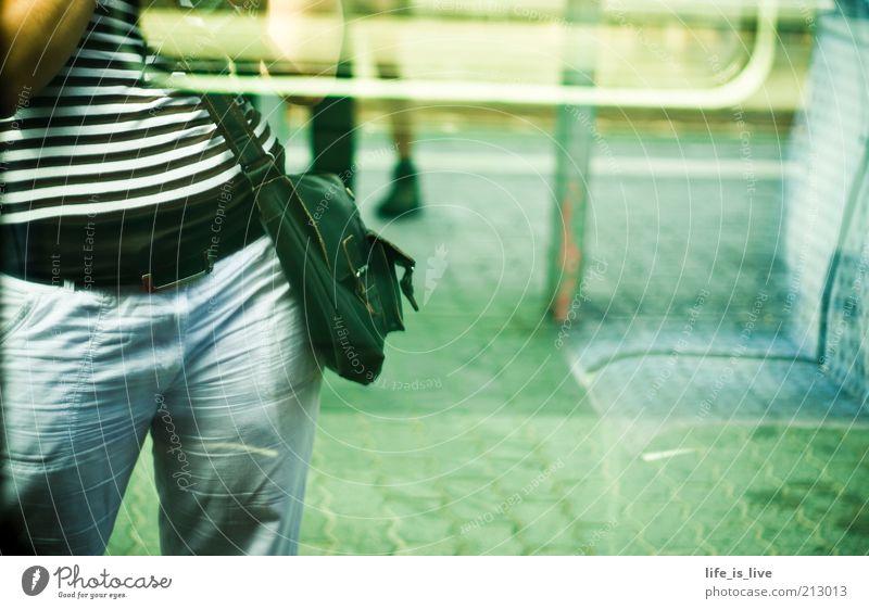 ich versteh` nur bahnhof! Ferien & Urlaub & Reisen Linie warten Mode Eisenbahn stehen Streifen fahren Ziel U-Bahn Bahnhof Abschied Tasche gestreift Fernweh