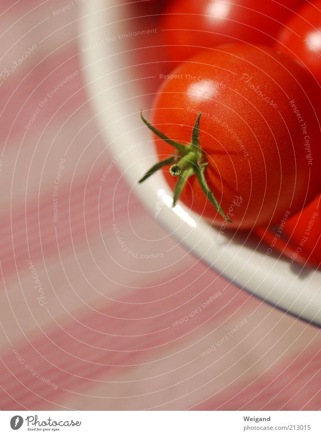 The red side of life rot Gesundheit Lebensmittel frisch Ernährung Gesunde Ernährung Gemüse lecker reif Bioprodukte Bildausschnitt Tomate Anschnitt Vitamin