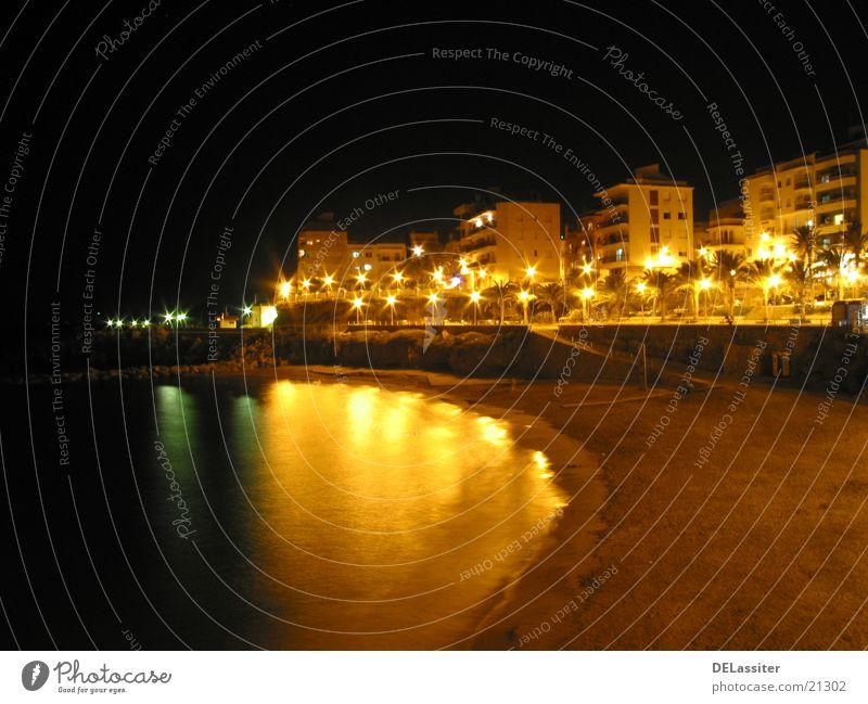Spanischer Abend Nacht Strand Hochhaus Spanien Reflektion L'Ametlla de Mar