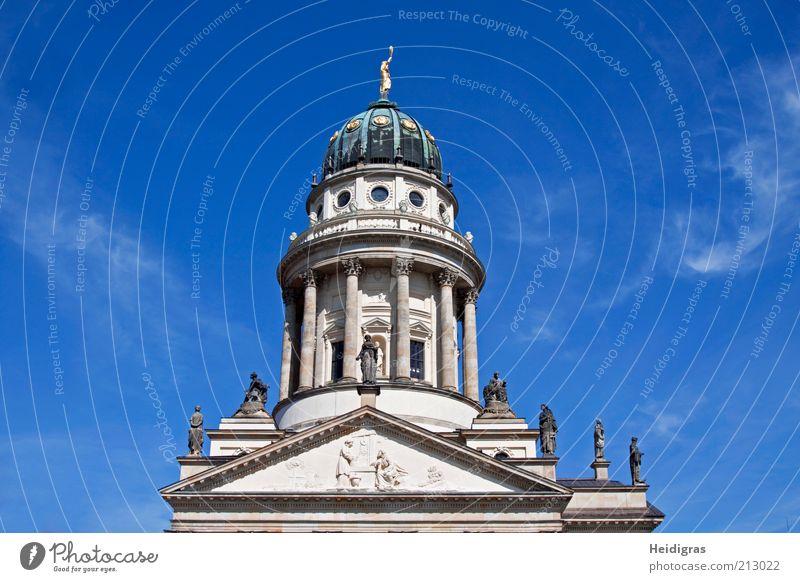 Französischer Dom Skulptur Berlin Deutschland Hauptstadt Altstadt Menschenleer Bauwerk Architektur Fassade Dach Sehenswürdigkeit Wahrzeichen Denkmal Barock