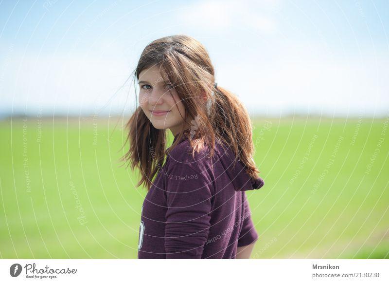 Girl Sommer Sommerurlaub Mensch feminin Mädchen Junge Frau Jugendliche Leben 1 13-18 Jahre Natur Frühling langhaarig Lächeln lachen Blick stehen leuchten