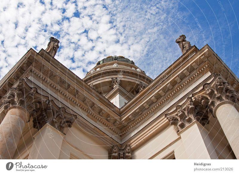 Deutscher Dom Hauptstadt Altstadt Menschenleer Bauwerk Gebäude Architektur Sehenswürdigkeit Wahrzeichen Kultur Farbfoto Textfreiraum oben Tag Licht Schatten